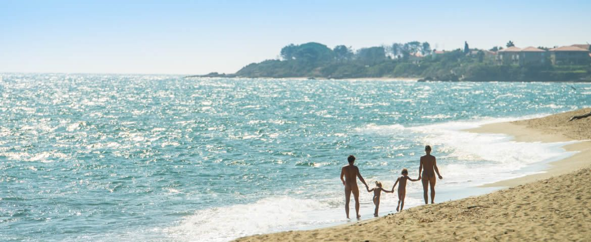Camping & Bungalows Naturiste, Plages, SPA, Piscines & Loisirs