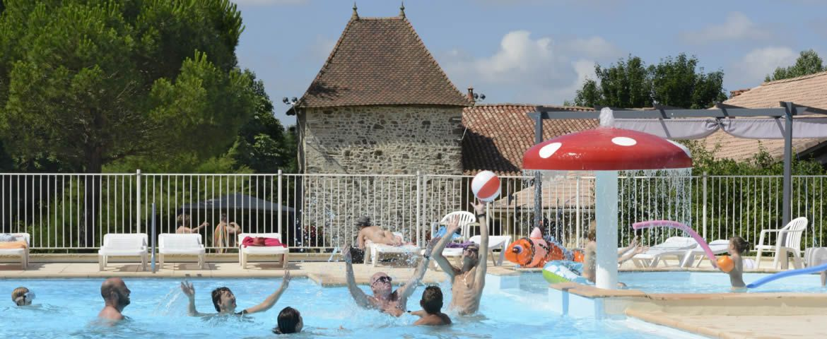 colombier piscine waterpolo jeux naturiste
